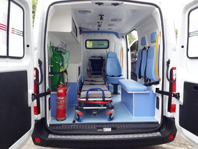 Deputado Jânio Natal entrega ambulância ao hospital regional de Porto Seguro 2