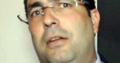 Justiça acata pedido e substitui prisão preventiva de ex vice-prefeito de Porto Seguro por medidas cautelares