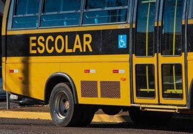 Empresa investigada por fraude na licitação do transporte escolar aditiva contrato em Eunápolis