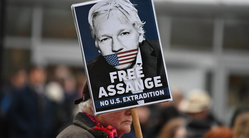 Criador do Wikileaks Julian Assange começa a ser julgado em Londres