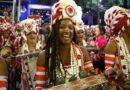 Desfile da Viradouro encanta com as 'Ganhadeiras de Itapuã'