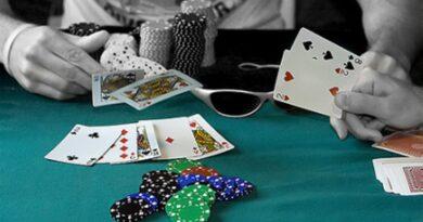 Prefeituráveis jogam poker em Porto Seguro
