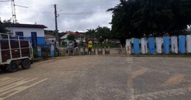 Moradores fecham entrada do distrito de Mundo Novo para barrar trabalhadores de Itabuna