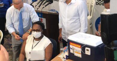 1ª pessoa vacinada na Bahia pega Covid antes da 2ª dose
